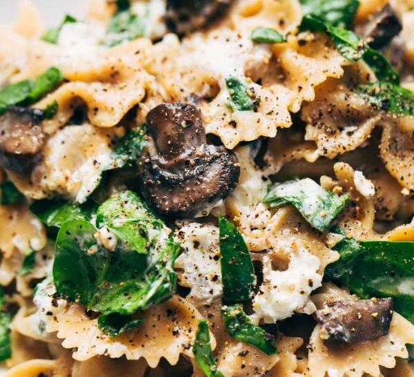 Паста с грибами и козьим сыром — лучшее блюдо для романтического вечера