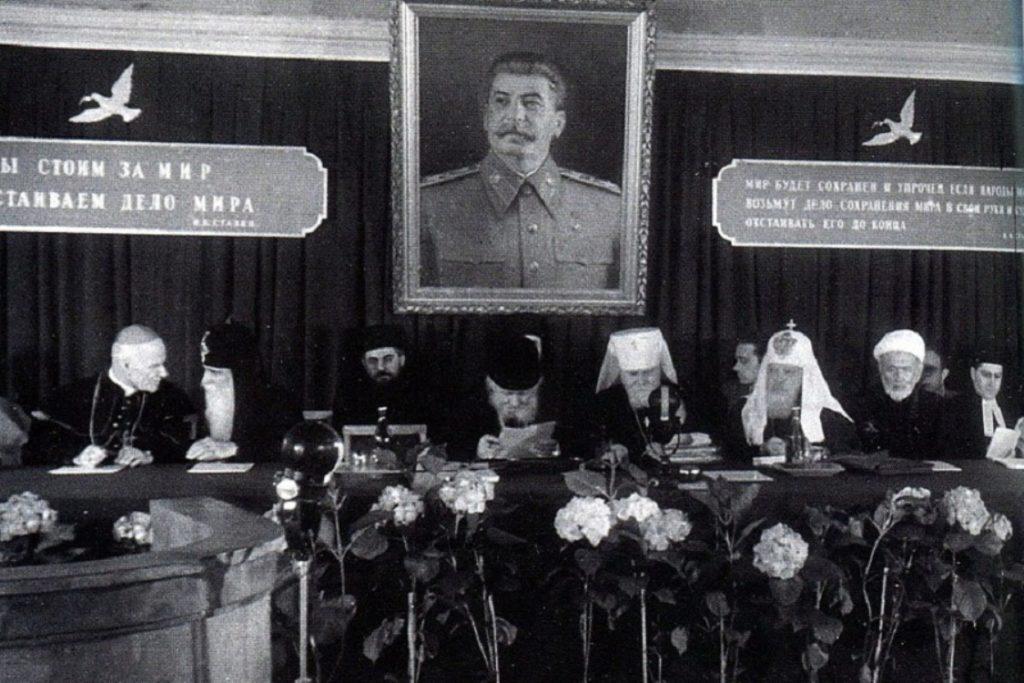 При позднем Сталине священники зажили хорошо