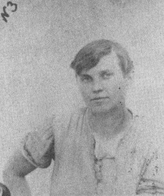 Женщина-палач -  Варвара Гребенникова (Немич). В январе 1920 года приговаривала к смерти офицеров и ''буржуазию'' на борту парохода ''Румыния. Казнена белыми