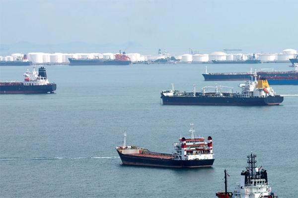Экспорт иранской нефти неумо…