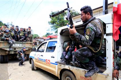На Филиппинах террористы взяли в заложники детей