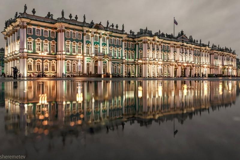 Зимний дворец. Всегда ли он был такого цвета?