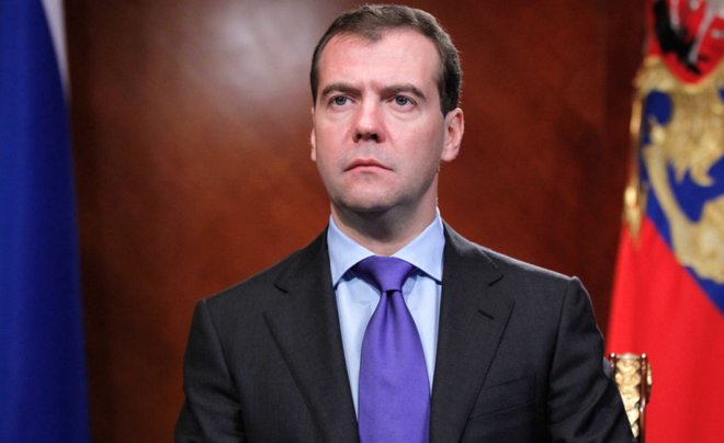 """""""Он не придурок,он-дегенерат"""" :Дмитрий Медведев тактично назвал главу СБУ придурком"""