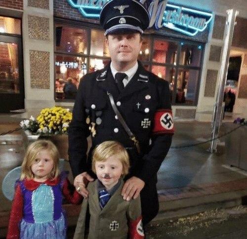 Ничего святого: американцы наряжают детей на Хеллоуин в форму СС