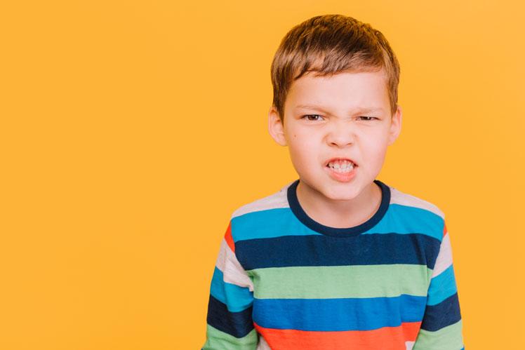 Причина детской агрессивности