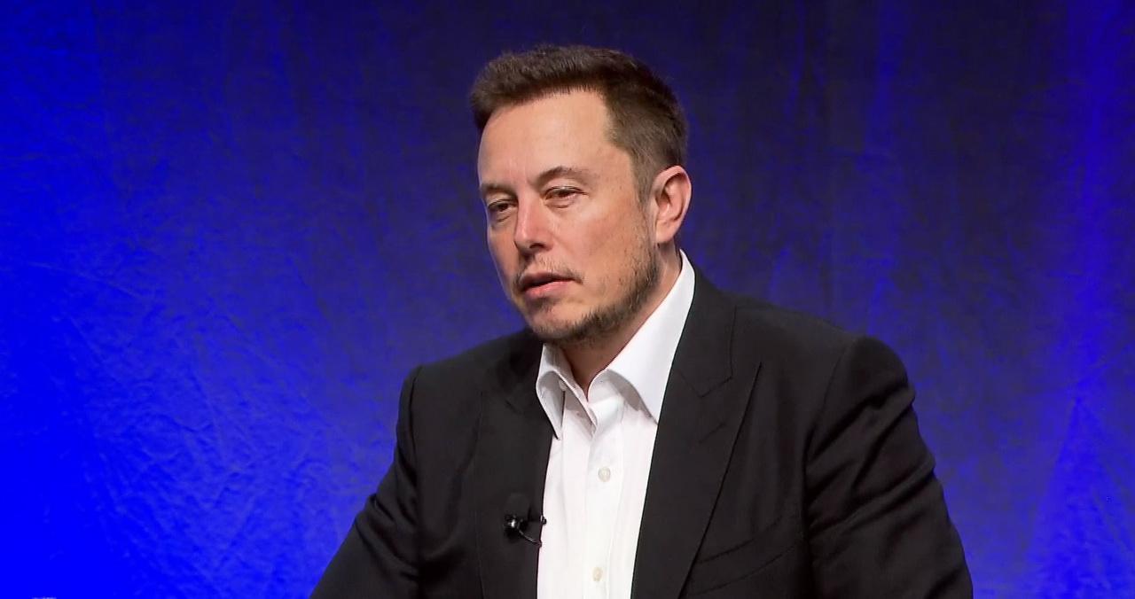 На встрече инвесторов Илон Маск постарался объяснить свои опасения по поводу ИИ