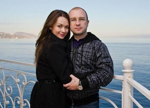 С женщинами лучше не спорить: министр по туризму Крыма проиграл жене шубу