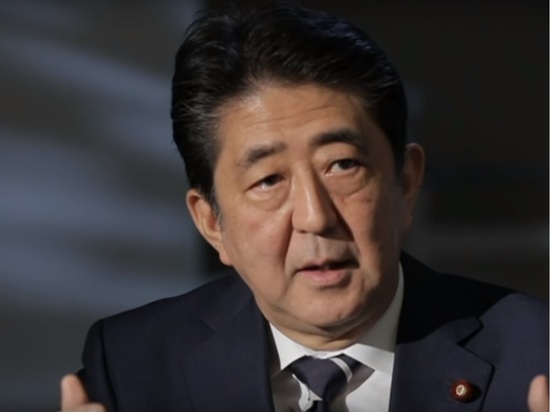Абэ успокоил россиян: живущие на Курилах после передачи смогут там остаться