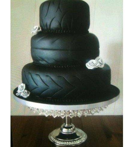 Странные и необычные торты (13 фото)