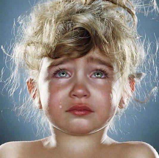 5 опасных фраз, которые нельзя говорить плачущему ребенку