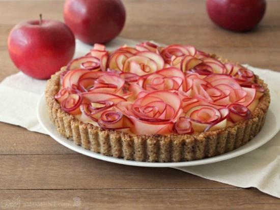 Яблочный пирог с розами. Голубцы с секретом на скорую руку