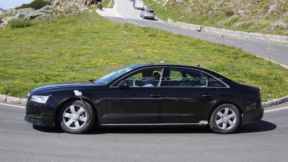 Новый седан Audi A8 впервые попался в «сети» шпионов