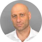Владимир Мараховский, практический психолог, член Ассоциации когнитивно-поведенческой психотерапии, член Общероссийской психотерапевтической лиги.