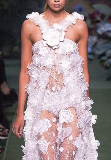 Fendi Haute Couture осень-зима 2017 -2018 — вся роскошь цветов и меха
