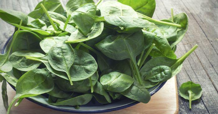 Свежий и приготовленный шпинат невероятно полезны. /Фото: img.tsn.ua