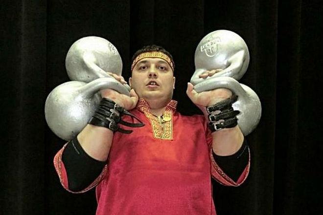Дмитрий Халаджи: самый сильный человек в мире