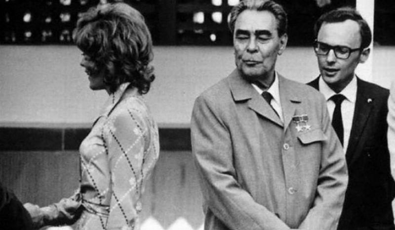 Занимательные факты про силовые поцелуи Брежнева