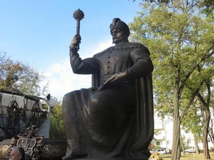 Иудушке Мазепе в Полтаве подорвали памятник
