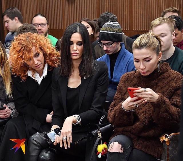 Умер Репин, и некому написать картину «Алана Мамаева с подругами в суде»