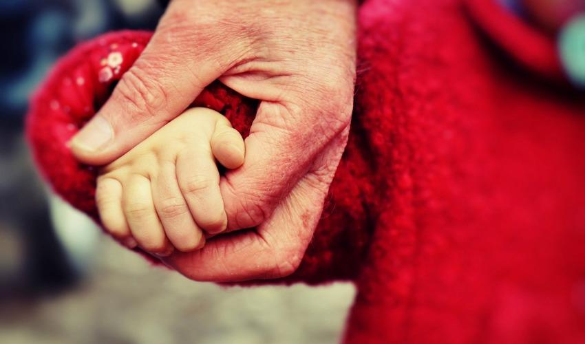 Женщина продала свою дочь, за ненадобностью