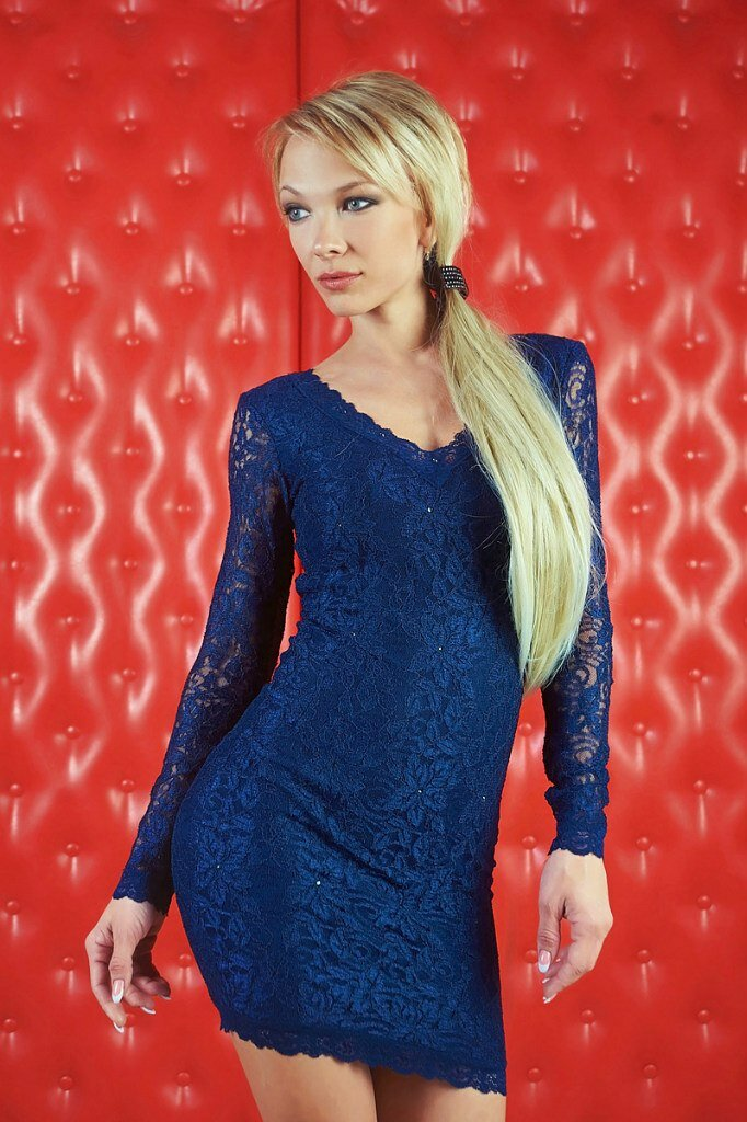 Девушка в гипюровом платье. /Фото: onlady.com.ua