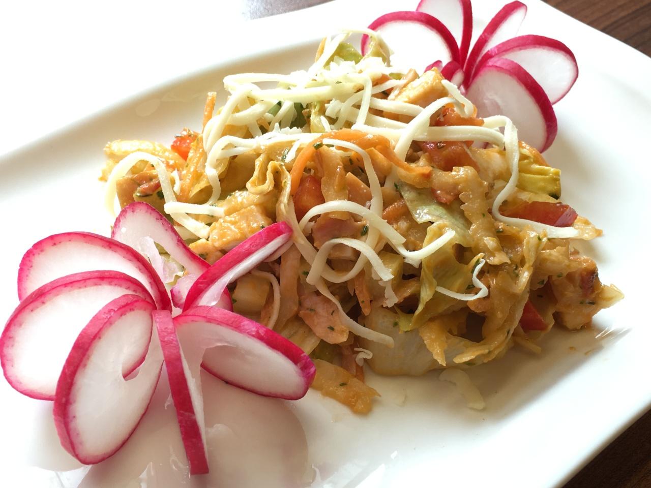 Блинный салат с копчёной курицей рецепт