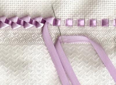 Симпатичный и простой способ украсить полотенца — объемный бордюр из ленточек