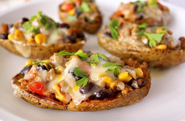 Печёный картофель в кожуре с начинками на любой вкус