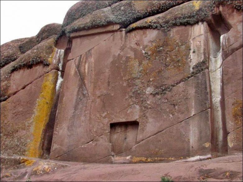 10 древнейших памятников, которых считают порталами в другие миры