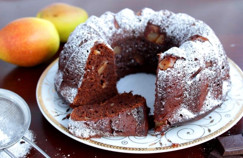Шоколадный кекс с грушами - простой рецепт вкусной выпечки