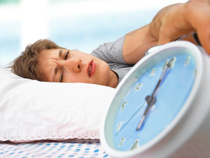 Избыточная сонливость днем говорит о риске старческого слабоумия