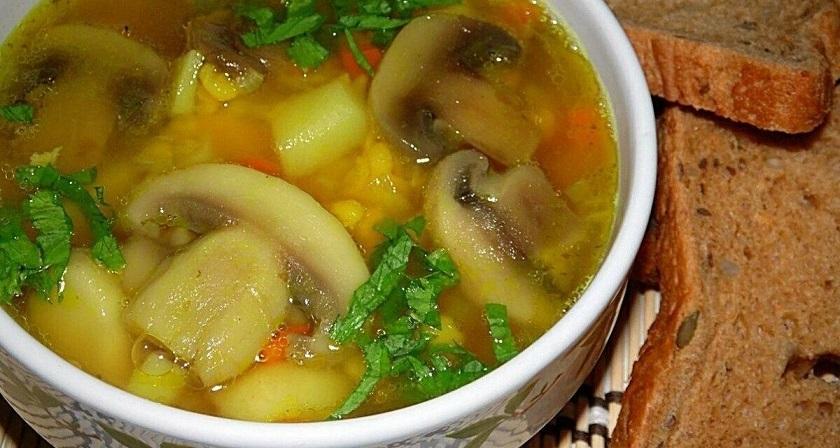 Аппетитные первые блюда: подборка супов на месяц