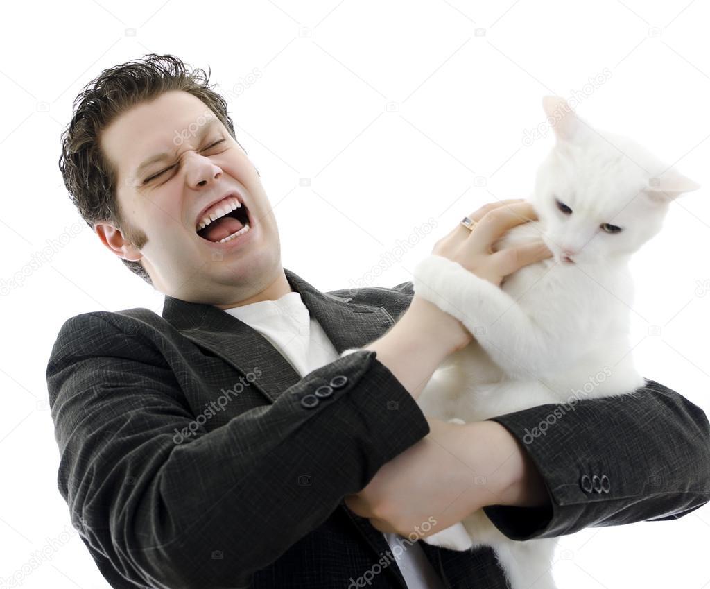 Игровая агрессия кошек