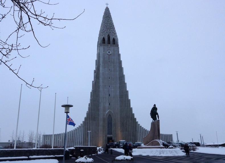 На фото: церковь Хатльгримскиркья в Рейкьявике интересные факты о стране, исландия, факты