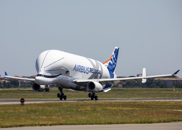 Самолет для негабаритных гру…