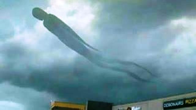 5 мистических явлений в небе, снятых на камеру! Это надо увидеть собственными глазами!