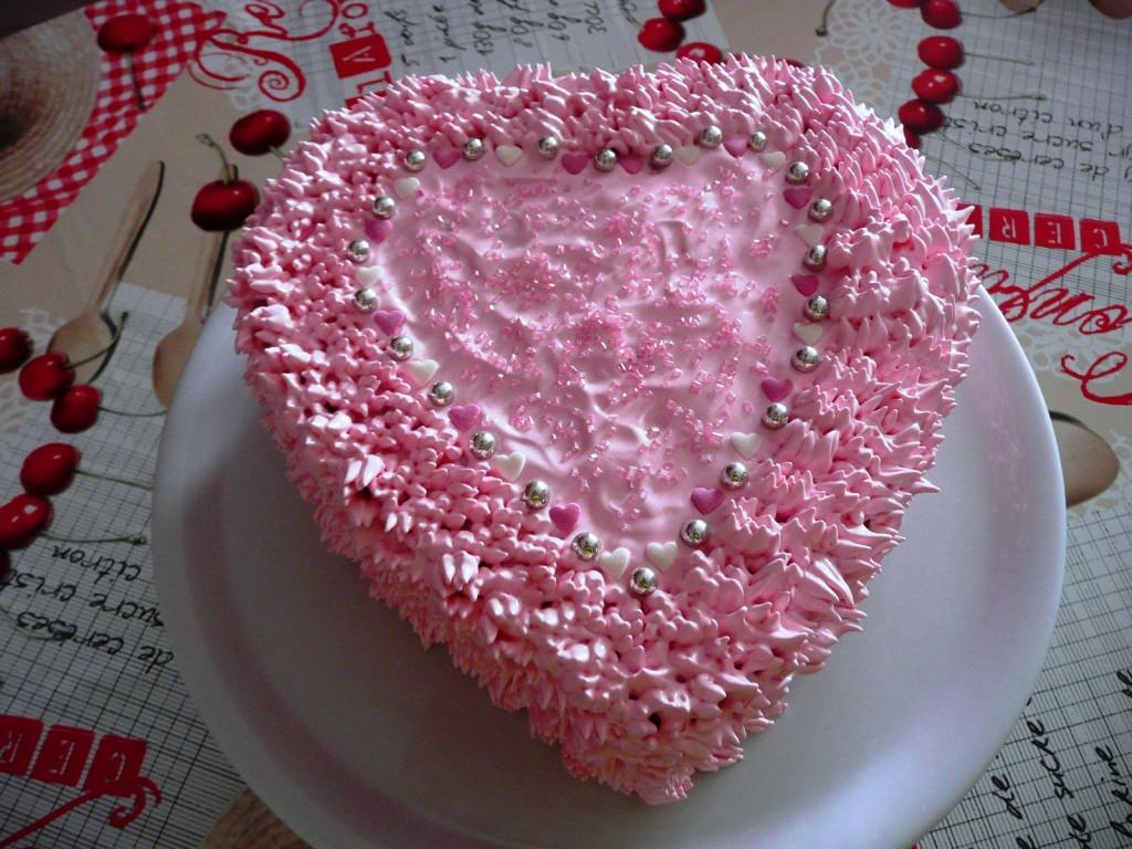 Фото тортов валентинок