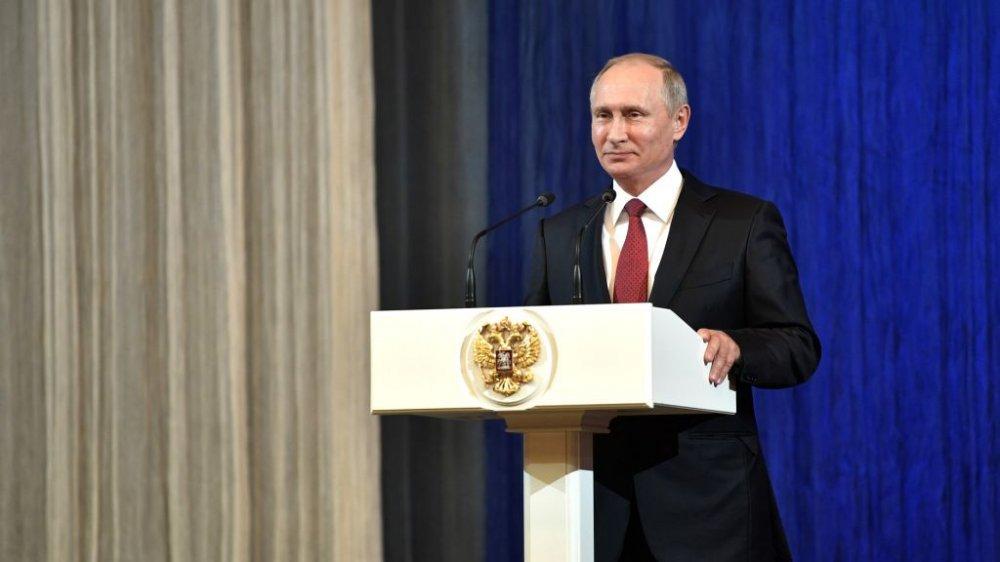 Внезапно от Лимонова: Путин уже готов уступить свое место преемнику