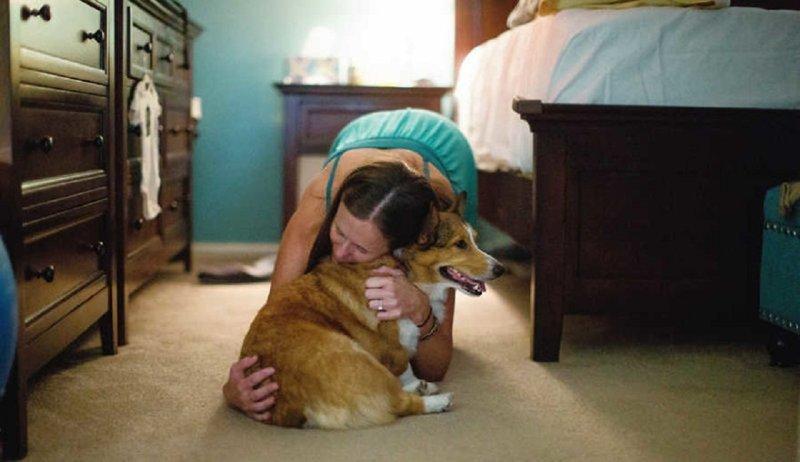 Собака сделала все, чтобы помочь хозяйке в родах