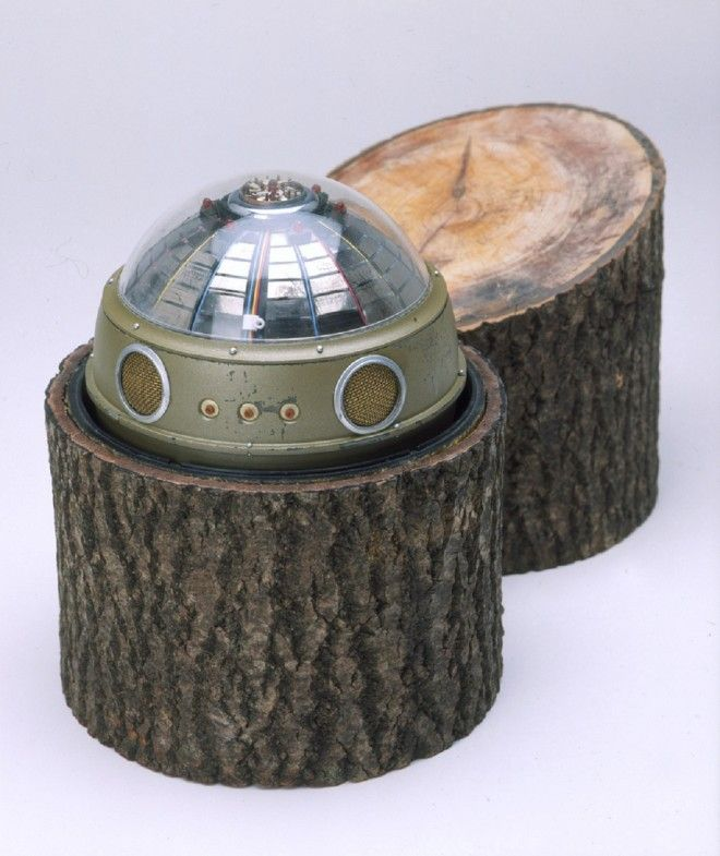 Подслушивающее устройство в пне