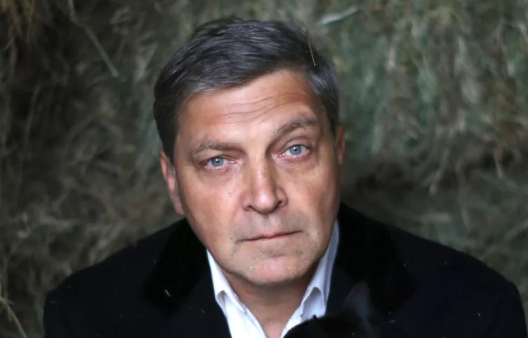Невзоров кинулся защищать двойное гражданство чиновников РФ
