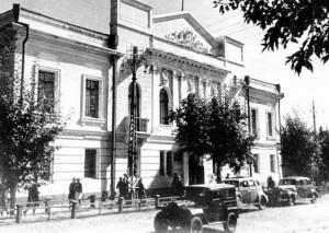 «Вот бьют чеченов, немцы из Поволжья, а место битвы — город Барнаул»
