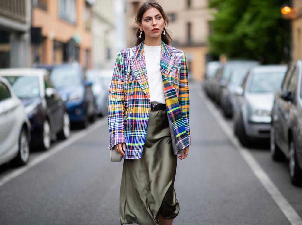 С чем носить миди-юбки: 6 сочетаний, которые нужно попробовать