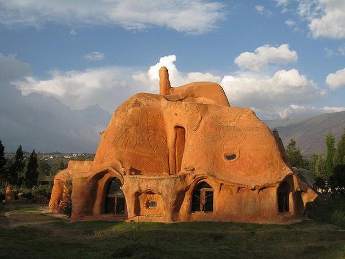 Casa Terracotta - особняк из глины от Октавио Мендосы (Octavio Mendoza)