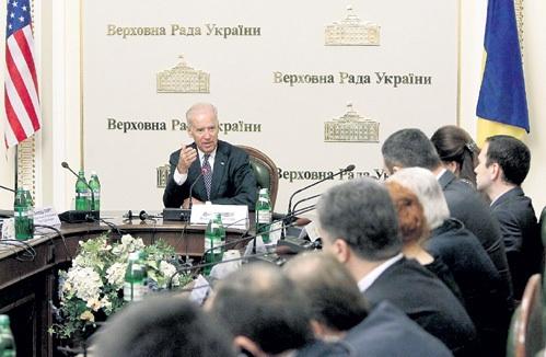 Почему настоящий президент Украины Байден вручил Порошенко-Вальцману «черную метку»