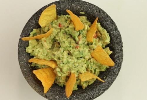 Гуакамоле.<br /> <br /> Гуакамоле как закуска, - или как соус, кому что ближе - традиционно известна в мексиканской кухне, но очень популярна во всем мире.
