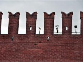 Россия как осажденная крепость и Третья волна