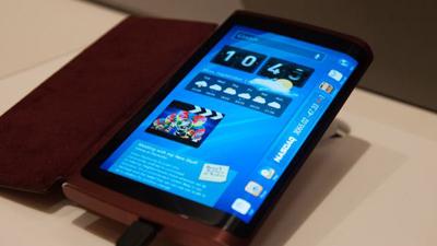 Смартфон с изогнутым дисплеем от Samsung появится уже в октябре