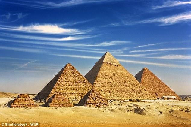Археологи раскрыли тайну строительства Великой пирамиды в Гизе