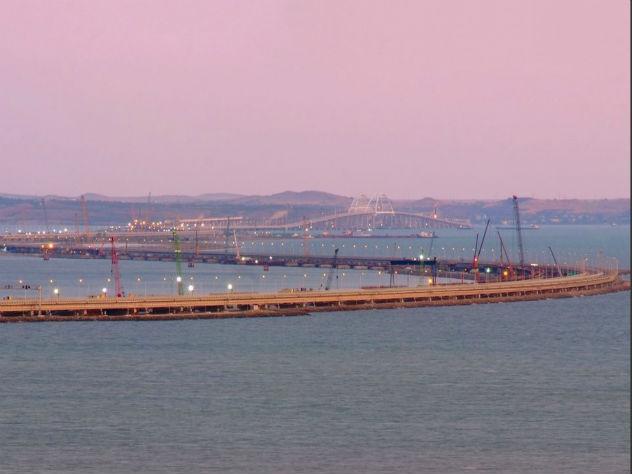 Украину возмутили российские корабли в Керченском проливе